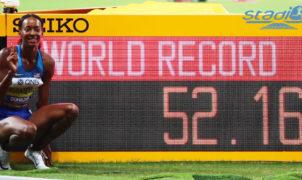Eliud Kipchoge, auteur du premier marathon de l'histoire en dessous de la barre des 2 heures, a été élu athlète de l'année samedi lors de la remise des prix à Monaco. Chez les femmes, c'est l'Américaine Dalilah Muhammad qui a été couronnée.