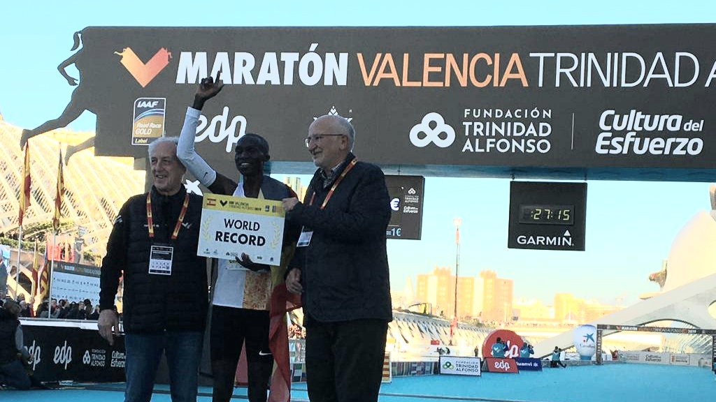 Record du monde du 10 km pour Joshua Cheptegei à Valence