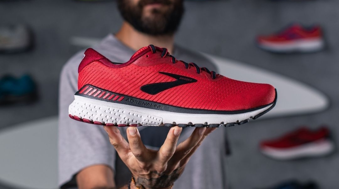 Brooks offre 3 000 paires de chaussures de running aux soignants