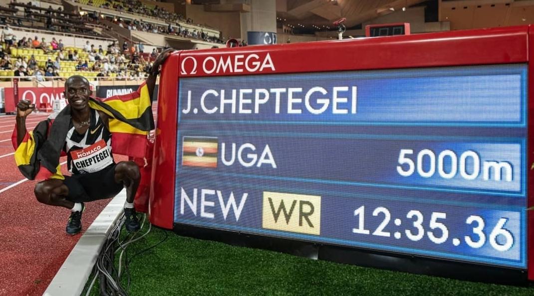 """Ce mercredi 7 octobre à 21h30 à à Valence (Espagne), l'Ougandais Joshua Cheptegei s'attaque au record du monde du 10 000 m détenu par l'Éthiopien Kenenisa Bekele en 26'17""""53."""