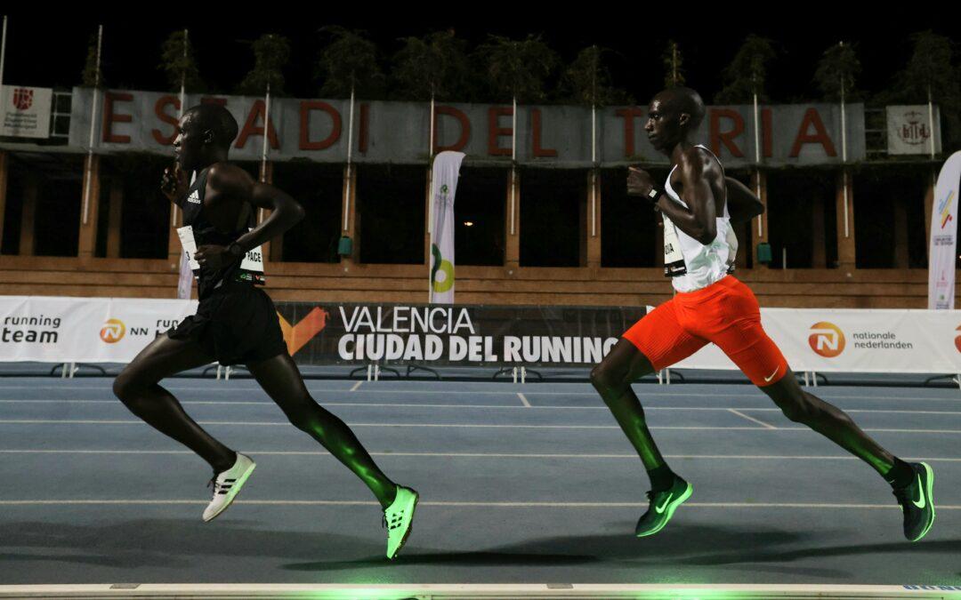 Les lièvres lumineux révolutionnent-ils l'athlétisme ?