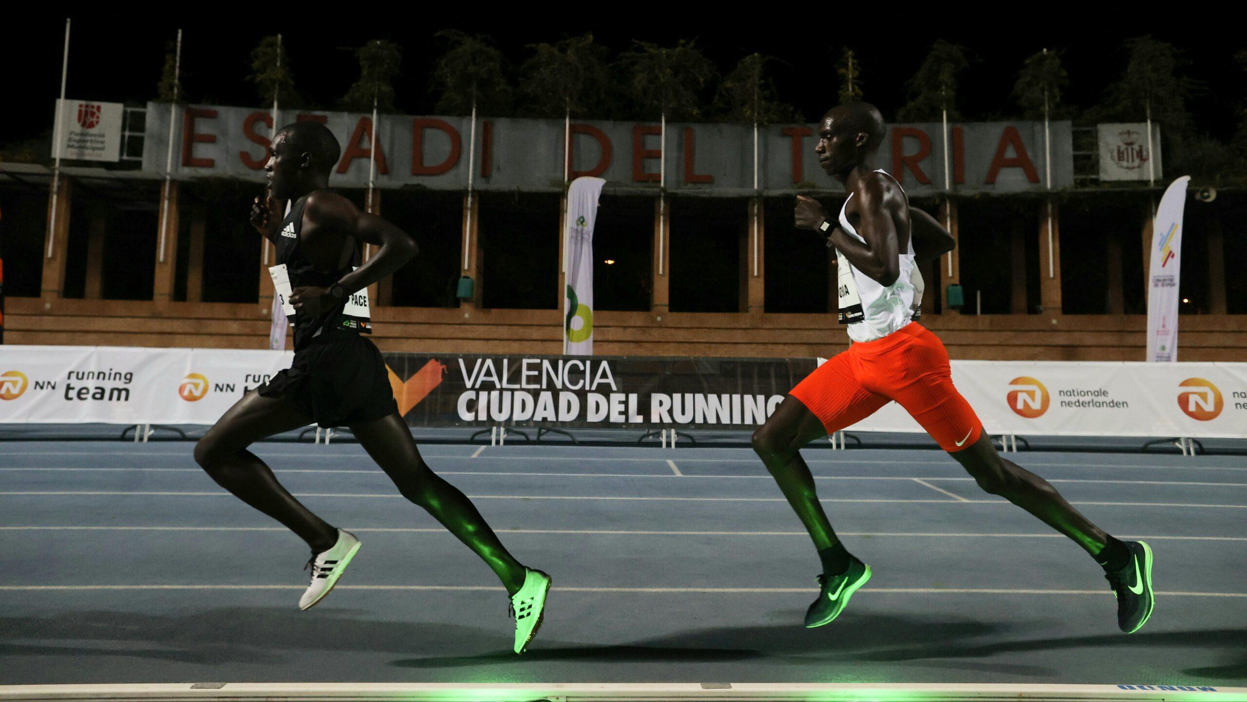 Parmi les dernières innovations technologiques en athlétisme figurent les lièvres lumineux dont l'utilisation s'est développée cet été sur plusieurs compétitions.