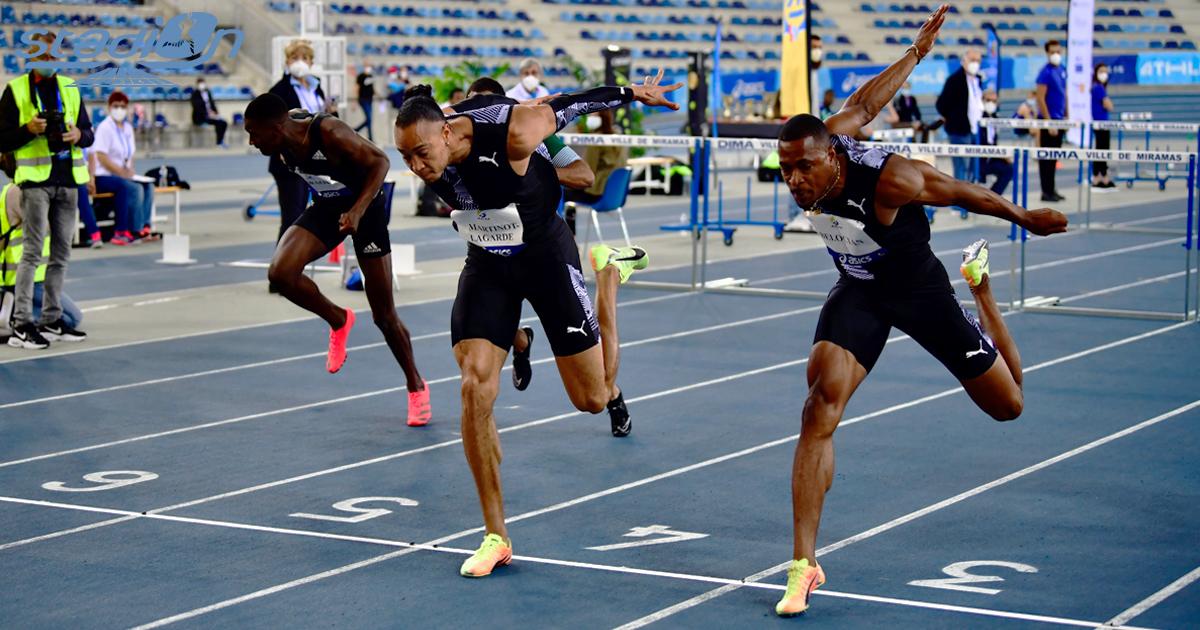 """Le duel entre Pascal Martinot-Lagarde (7""""54) et Wilhem Belocian (7""""57) a tourné à l'avantage du premier sur 60 m haies."""