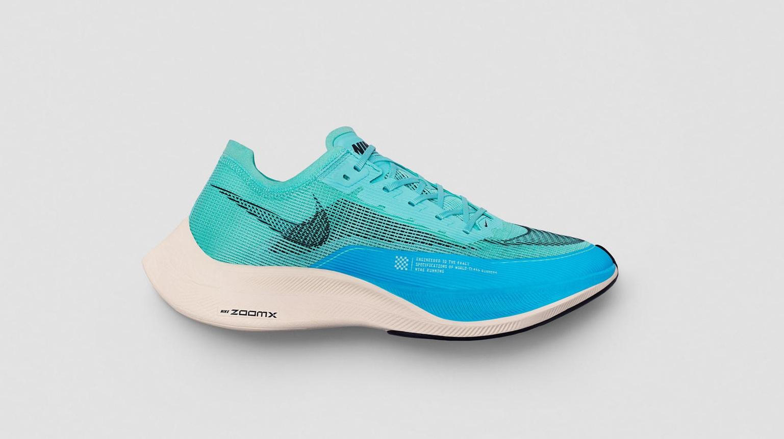 Pour l'élaboration de la Nike ZoomX Vaporfly NEXT% 2, la marque à la virgule s'est logiquement inspirée du modèle précédent, la Nike ZoomX Vaporfly NEXT%.